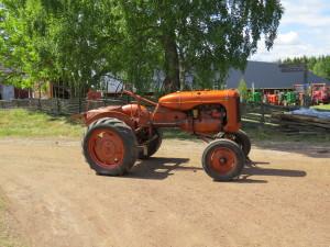 I museet finns 65 traktorer av olika fabrikat tillverkade mellan 1937 och 1969