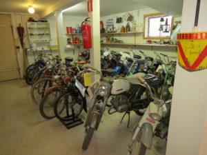 Mopeder och cyklar
